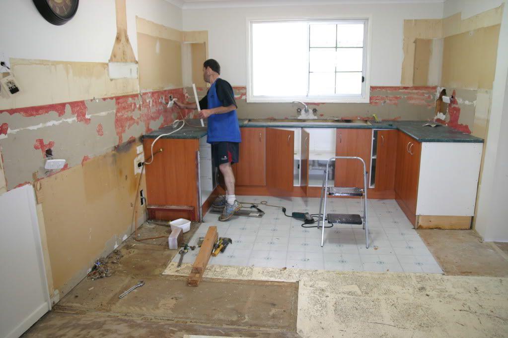 Как сделать ремонт на кухне по дешевле 96